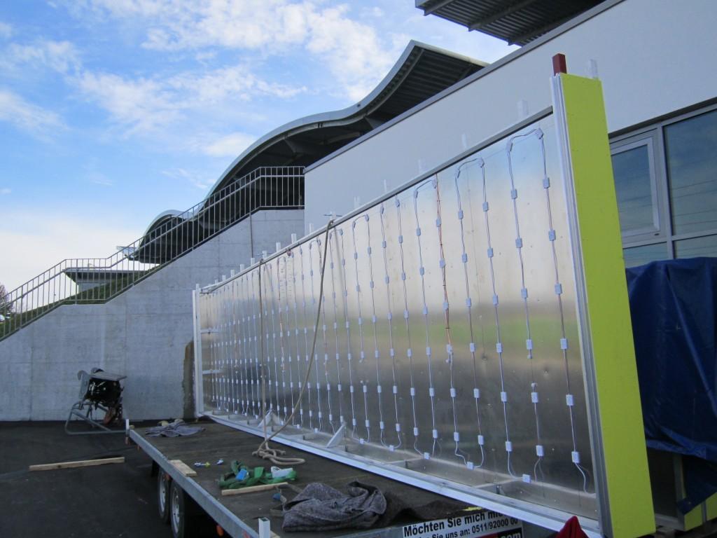 Werbeturm Werbemast Schweiz Rotz Montage Leuchtwerbung Spanntuchwerbung LED